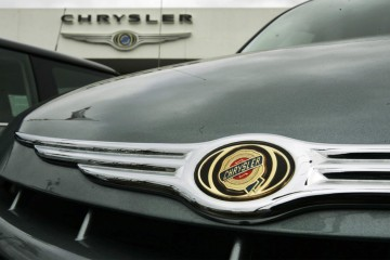 Inventories have fallen, but many Chrysler dealers can't order new cars and trucks because they are still waiting for financing approval from GMAC, which is scheduled to take over dealership financing from Chrysler Financial Canada