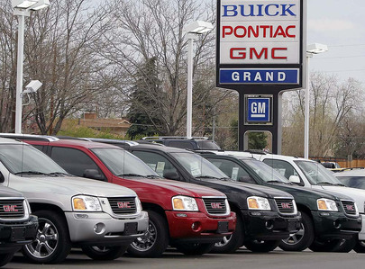 GM plans to cut 10,000 salaried workers.