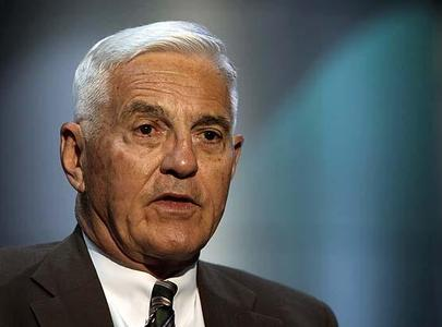 General Motors Vice Chairman Bob Lutz is interviewed by the Associated Press in Detroit, May 27, 2009.