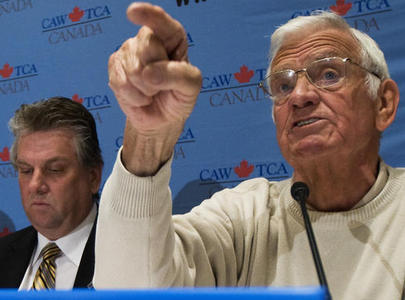 Len Harrison (right), president of the Retired Workers Advisory Council, and CAW President Ken Lewenza speak to the media during a press conference on auto workers pensions in Toronto today. (April 9, 2009)