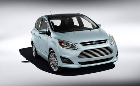 The Ford C-MAX Hybrid, along with the Fusion Hybrid, doesn't live up to its fuel efficiency claims, hundreds of owners claim in lawsuits against Ford Motor Co. (Ford)