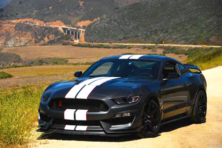 2016 Ford Shelby GT350R Mustang on the Pacific Coast Highway in California (Mark Hacking for The Globe and Mail)