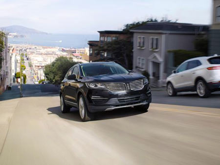 Lincoln Motor Co. is updating its MKC small crossover for the 2017 model year with a few new standard features, the luxury brand said Tuesday.