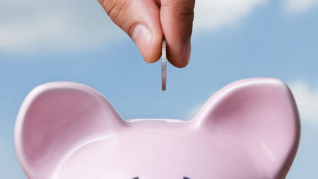 Retired Canadians on average had $11,204 in non-mortgage debt, according to the survey. (Shutterstock)