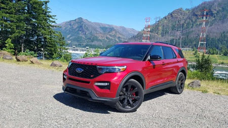 Model-year 2020 Ford Explorers and Lincoln Aviators may be missing a manual park-release cover. (Photo: Henry Payne, The Detroit News)