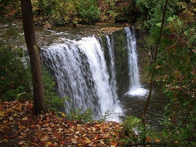 The Falling Water Trail has several waterfalls, including Hoggs Falls, along its 31-kilometre path through the Beaver Valley. (Oct. 16, 2008)