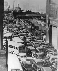 Ford_car_blockade_1945